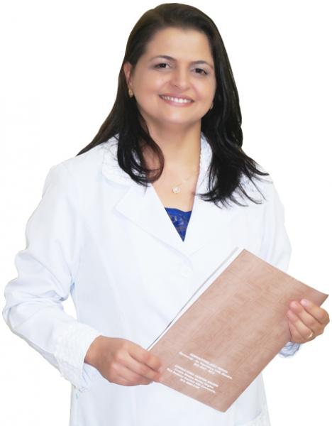 Drª Isis Lacerda - Isis Cirurgia Plástica e Implante Capilar